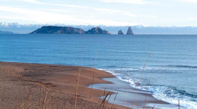Islas Medes desde la playa de Pals