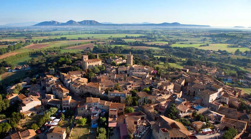Vista aérea de la villa medieval