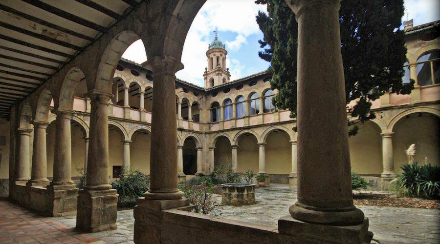 Claustro del convento de los Carmelitas calzados