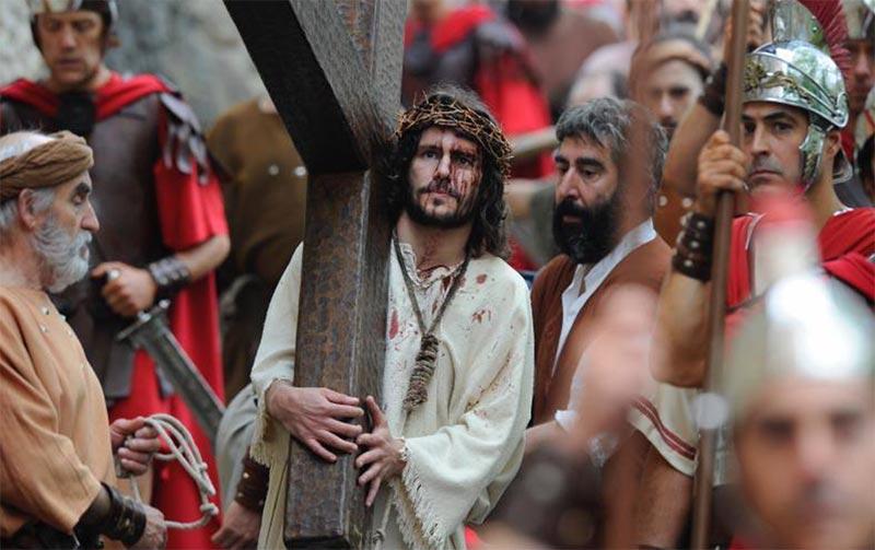 Procesión de Via Crucis en Balmaseda